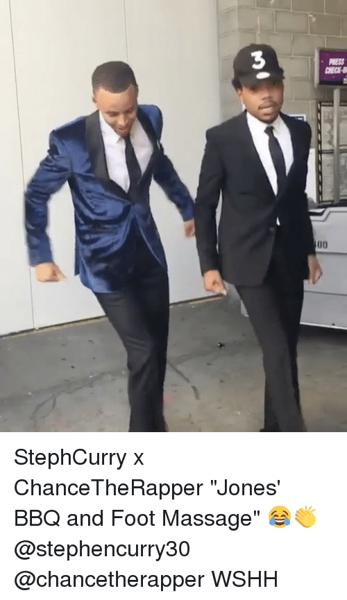 "massaging: M)0 StephCurry x ChanceTheRapper ""Jones' BBQ and Foot Massage"" 😂👏 @stephencurry30 @chancetherapper WSHH"
