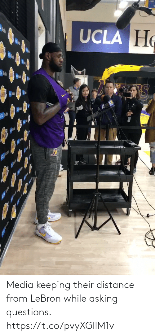 Distance: Media keeping their distance from LeBron while asking questions.  https://t.co/pvyXGlIM1v