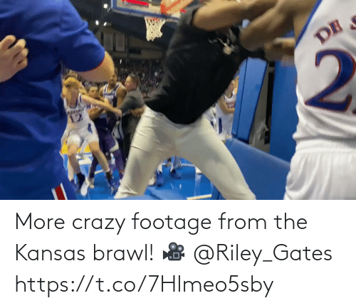 kansas: More crazy footage from the Kansas brawl!   🎥 @Riley_Gates https://t.co/7Hlmeo5sby