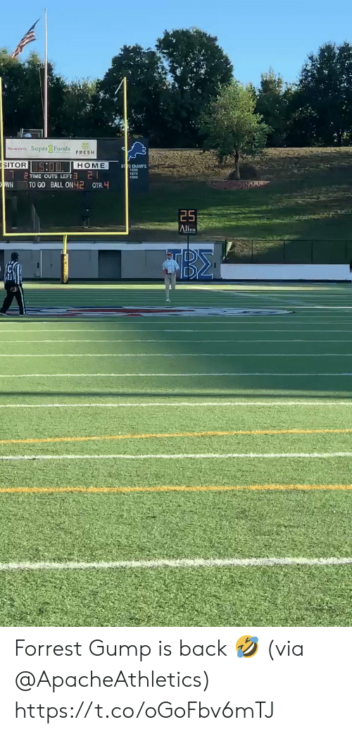 Forrest Gump: o Super1 Foods  FRESH  SITOR  SO HOME  ST TE CHAMPS  21  TIME OUTS LEFT  WN  TO GO BALL ON 2 QTR.  25  Altra Forrest Gump is back 🤣 (via @ApacheAthletics) https://t.co/oGoFbv6mTJ